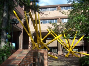 Gville_UF_french_fries_sculpture_02